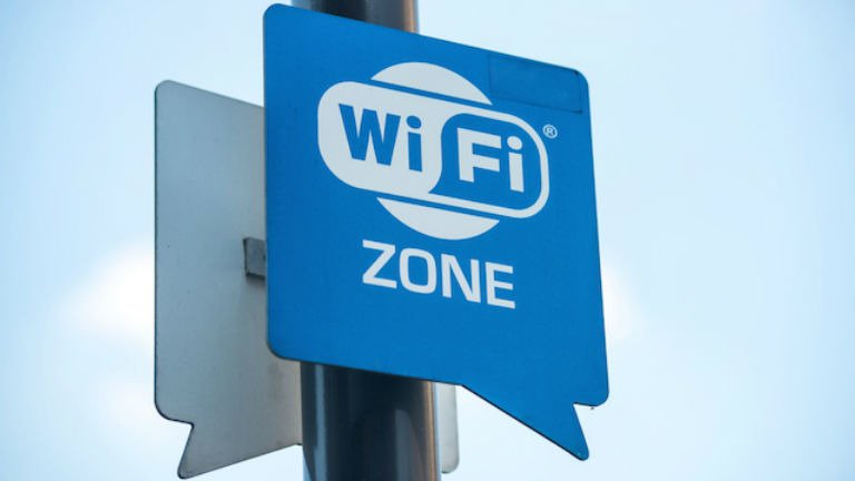 Public WiFi: To Connect or Not to Connect?